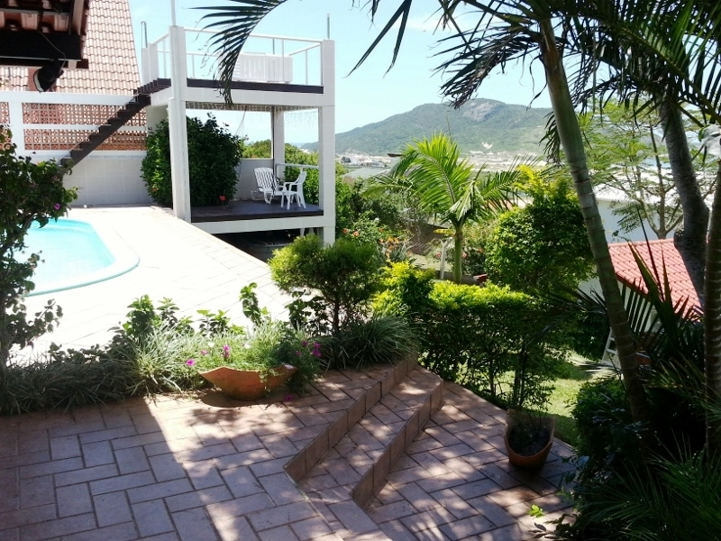 Casa de 3 dormitórios à venda em Santinho, Florianopolis - SC