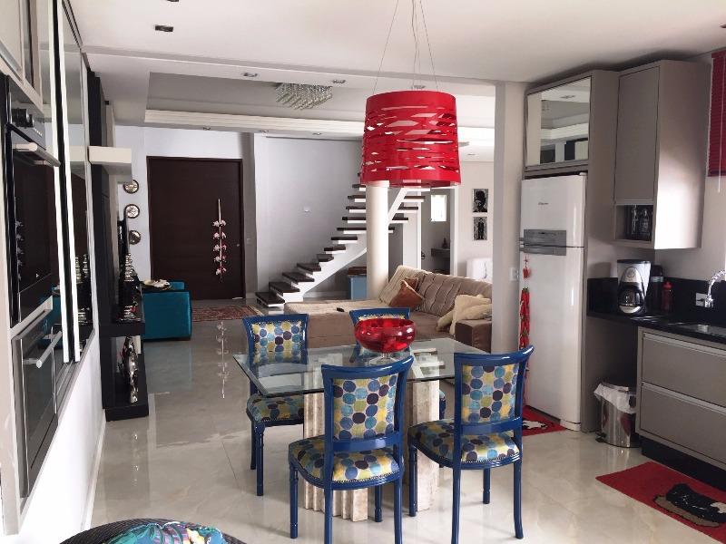 Casa de 3 dormitórios em Pantanal, Florianopolis - SC