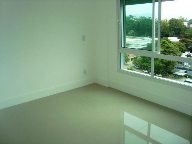 Apartamentos de 3 dormitórios em Agronômica, Florianopolis - SC