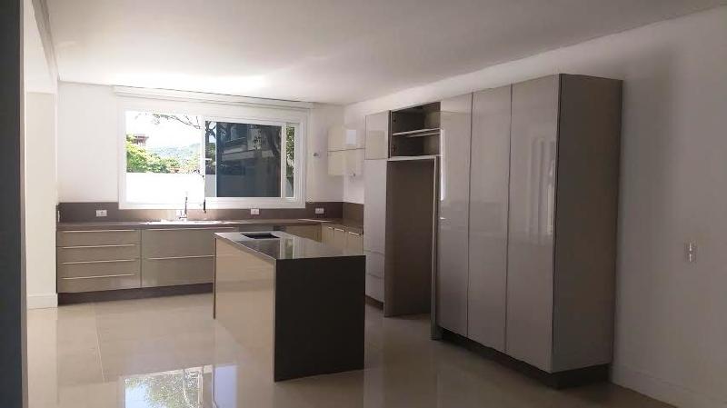 Casa de 4 dormitórios em Jurerê Internacional, Florianopolis - SC