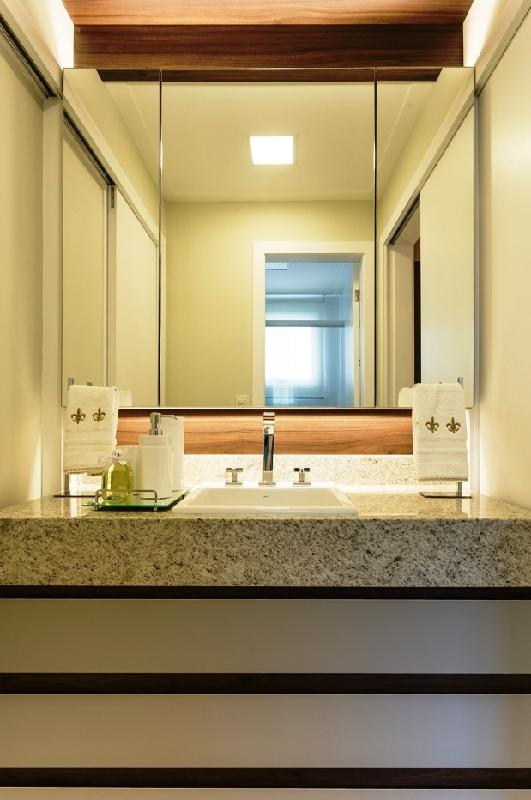 Apartamentos de 3 dormitórios em Beira Mar, Florianopolis - SC