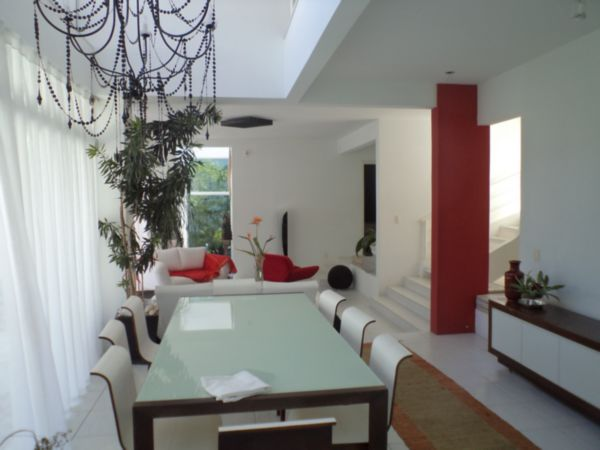 Casa de 4 dormitórios em Centro, Florianopolis - SC