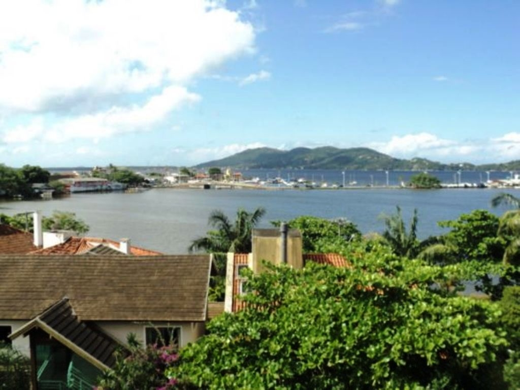 Coberturas de 4 dormitórios em Lagoa Da Conceicao, Florianopolis - SC