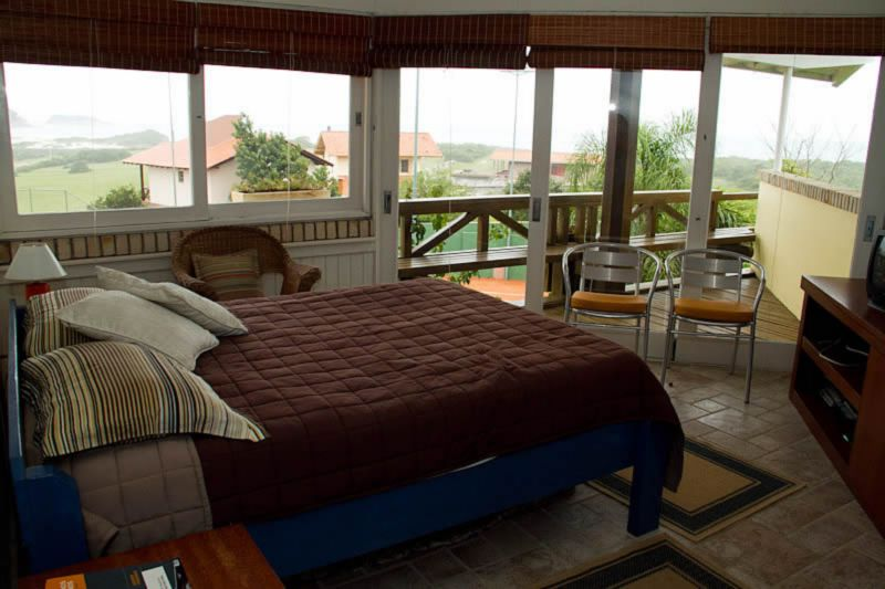 Casa de 4 dormitórios à venda em Santinho, Florianopolis - SC