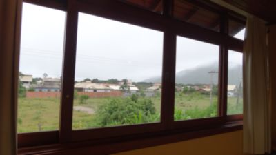 Casa de 4 dormitórios em Rio Vermelho, Florianopolis - SC