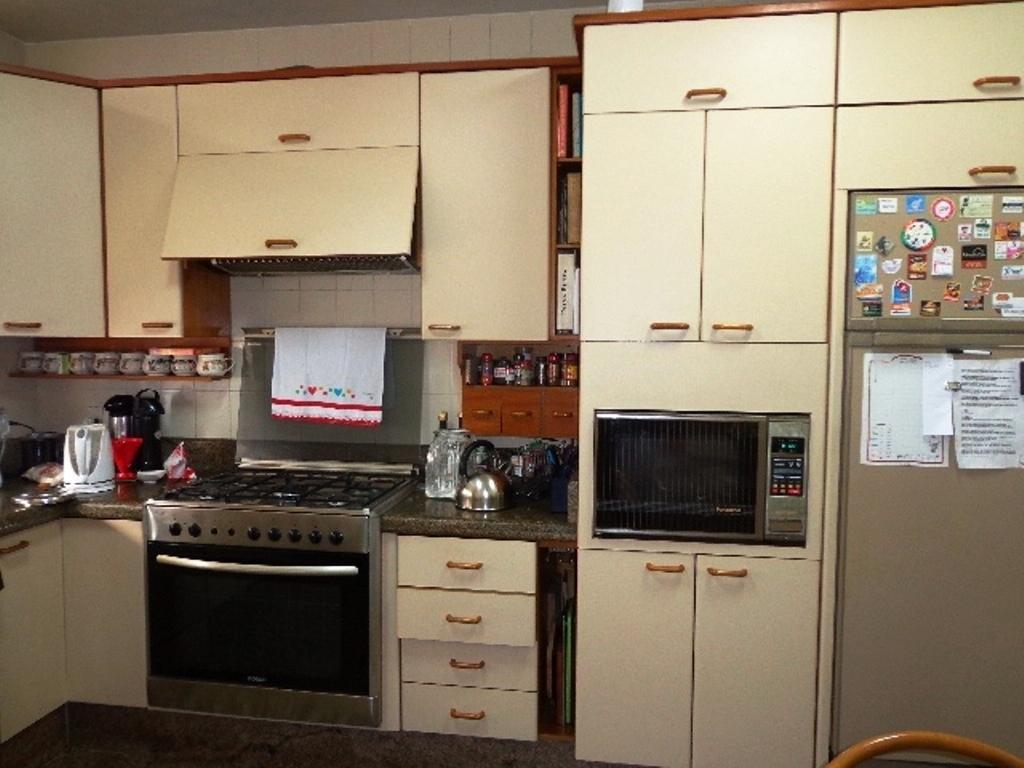 Apartamentos de 4 dormitórios em Agronomica, Florianopolis - SC