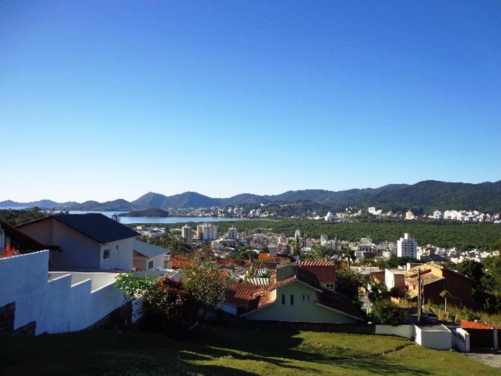 Casa de 3 dormitórios à venda em Trindade, Florianopolis - SC