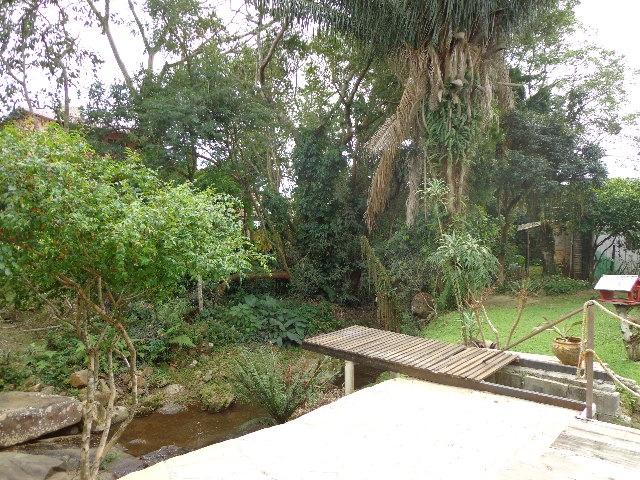 Casa de 2 dormitórios em Córrego Grande, Florianópolis - SC