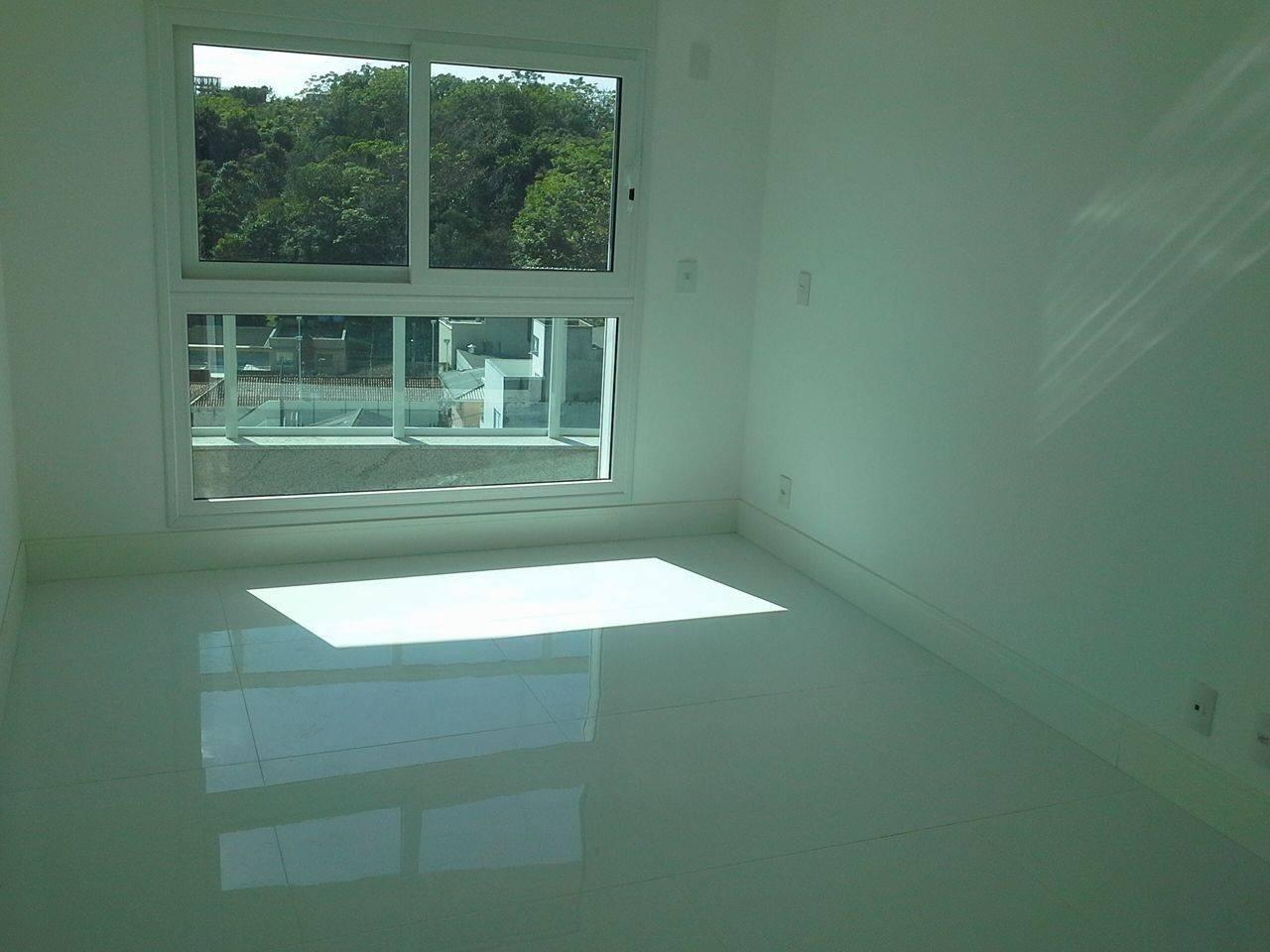 Apartamentos de 3 dormitórios à venda em Agronomica Florianópolis  #34978A 1280x960 Banheiro Container Florianopolis