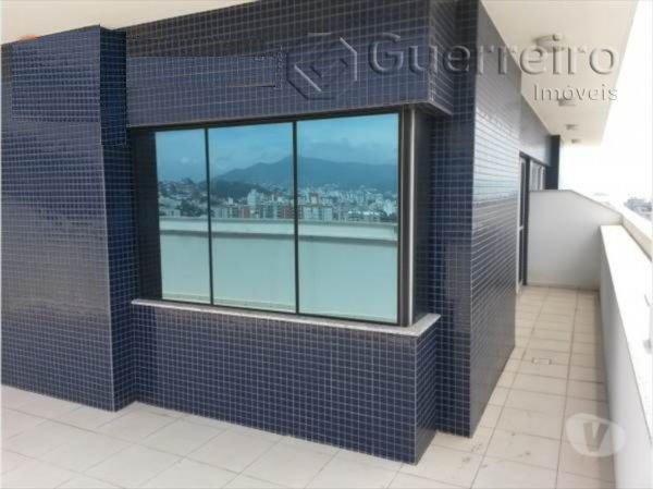 Salas/conjuntos à venda em Agronômica, Florianópolis - SC