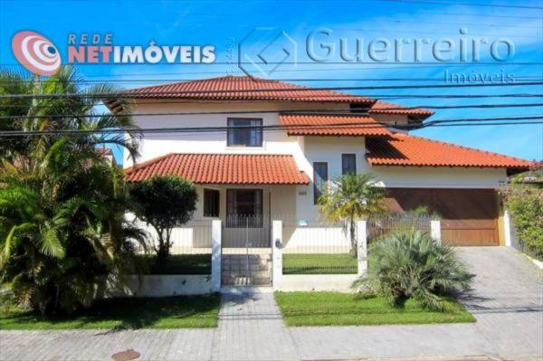 Casa de 4 dormitórios à venda em Parque São Jorge, Florianópolis - SC