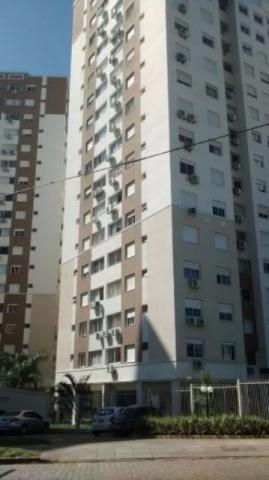 Excelente apto na Vila Ipiranga (Porto Alegre). Com 66 m privativos, 3 dormitórios, sendo 1 suíte, andar alto com ótima vista e posição solar, rebaixo de gesso no living e suíte, porcelanato, móveis planejados na cozinha e suíte. 1 vaga coberta e escriturada. Infra condominial completa, portaria 24 hs e  ronda de segurança externa.