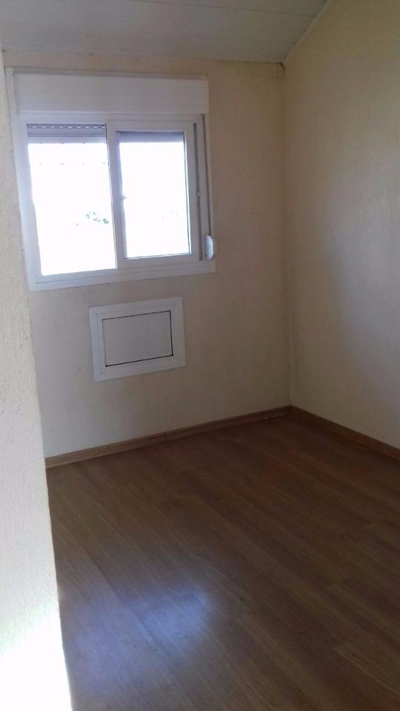 Casa em condomínio fechado com 3 dormitórios  sendo 1 suite  com 92 m de área privativa 1 vaga coberta. Condomínio com poucas unidades . Vale conferir.