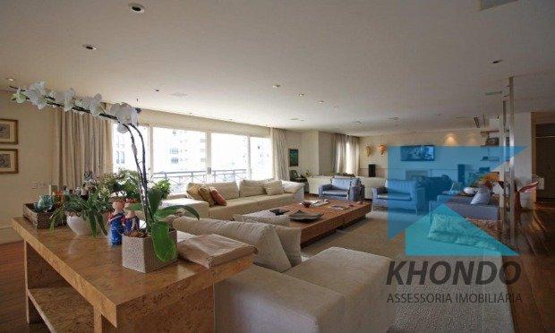 Apartamentos de 4 dormitórios em Jardins, São Paulo - SP