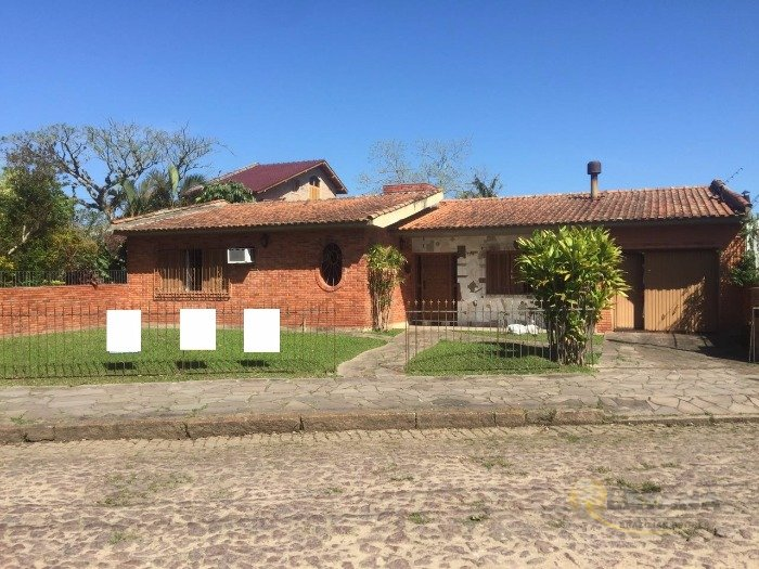 Casa em Guarujá, Porto Alegre (3927)