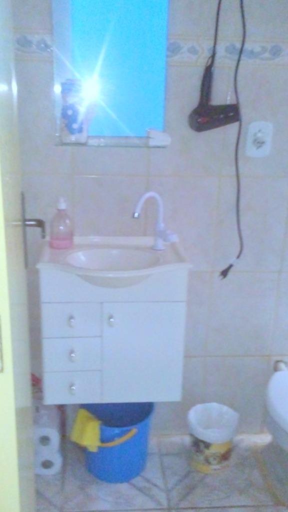 Apartamento 02 dormitórios, com 01 vaga, na Vila Nova. Sol da manhã, de fundos. Aceita casa na zona sul de valor equivalente. Marque sua visita!
