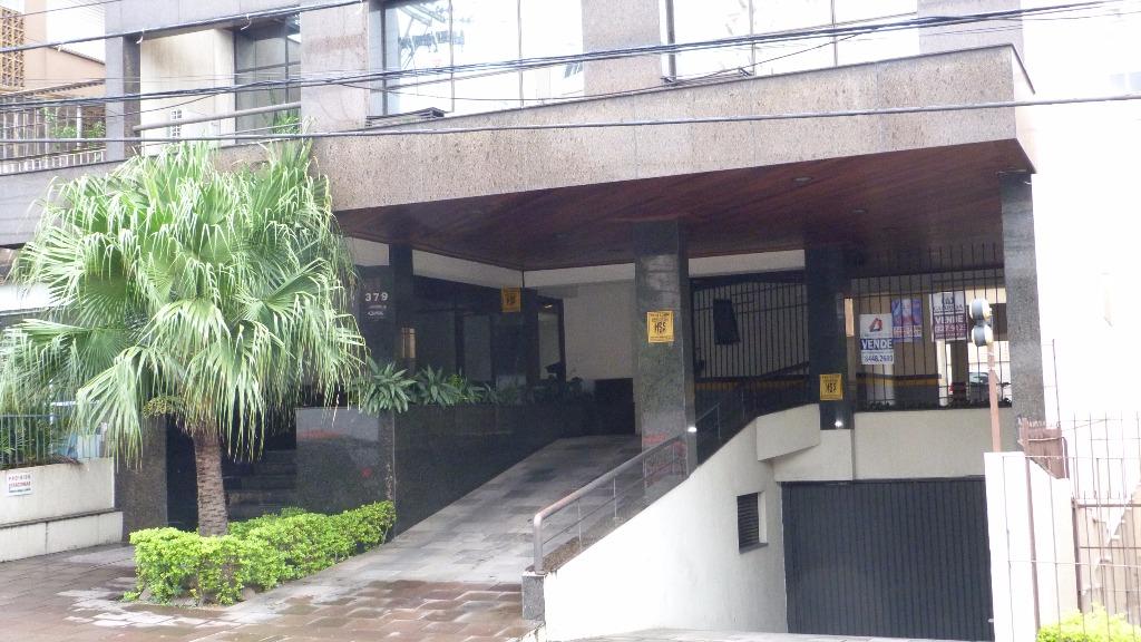 Sala comercial no bairro Menino Deus, próximo a Avenida Ipiranga. Sala com 47m, com piso frio, 1 banheiro e 1 vaga de garagem.