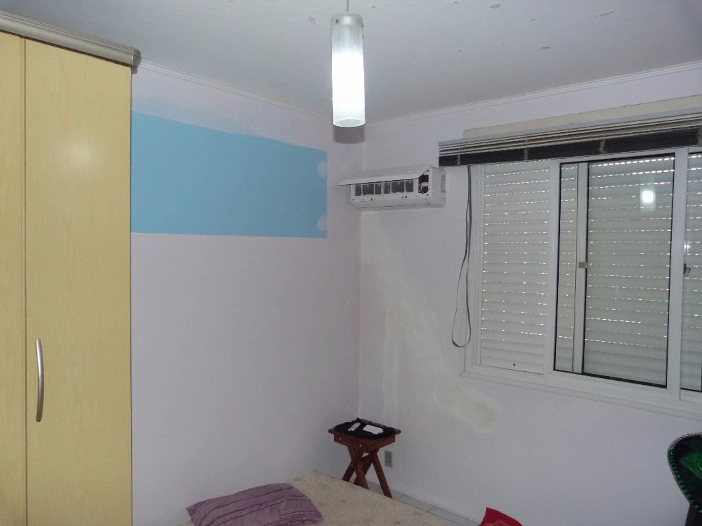 Apartamento semi mobiliado no bairro Alto Petrópolis com 02 dormitórios, próximo ao novo FÓRUM  da Protasio Alves. Com living para 02 ambientes, cozinha, banheiro social e área de serviço fechada.