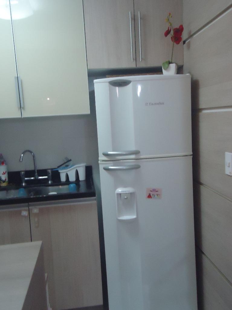 Apartamento no bairro Cavalhada, em Porto Alegre, com 03 dormitórios (01 suíte), living 02 ambientes, sacada integrada, churrasqueira, área de serviço separada, com 01 vaga escriturada. Condomínio com infra completa.