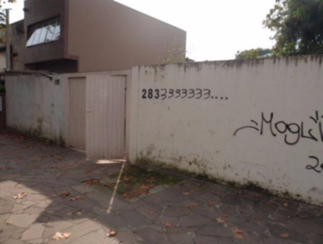 Terrenos no bairro Petrópolis, próximo a Avenida Protasio Alves. Dois terrenos tendo a área total de 522,72m, dimensão do terreno de 13,50x36,90. Proprietário aceita trocas no terreno.