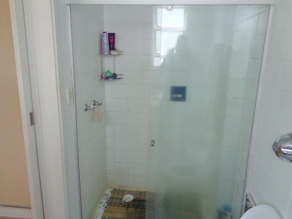 Imagens de #635D48 Apartamento em Porto Alegre Ferreira Imóveis 1024x768 px 3532 Blindex Banheiro Porto Alegre