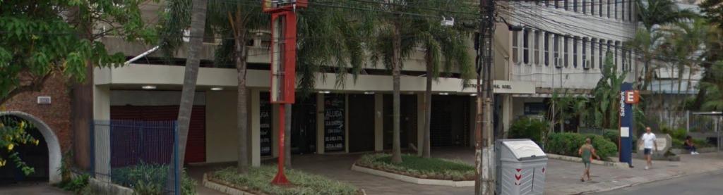 Loja comercial no bairro Moinho de Vento, em frente ao Mc Donoalds. Com 890m de área privativa, 4 banheiros e 12 vagas de estacionamento.