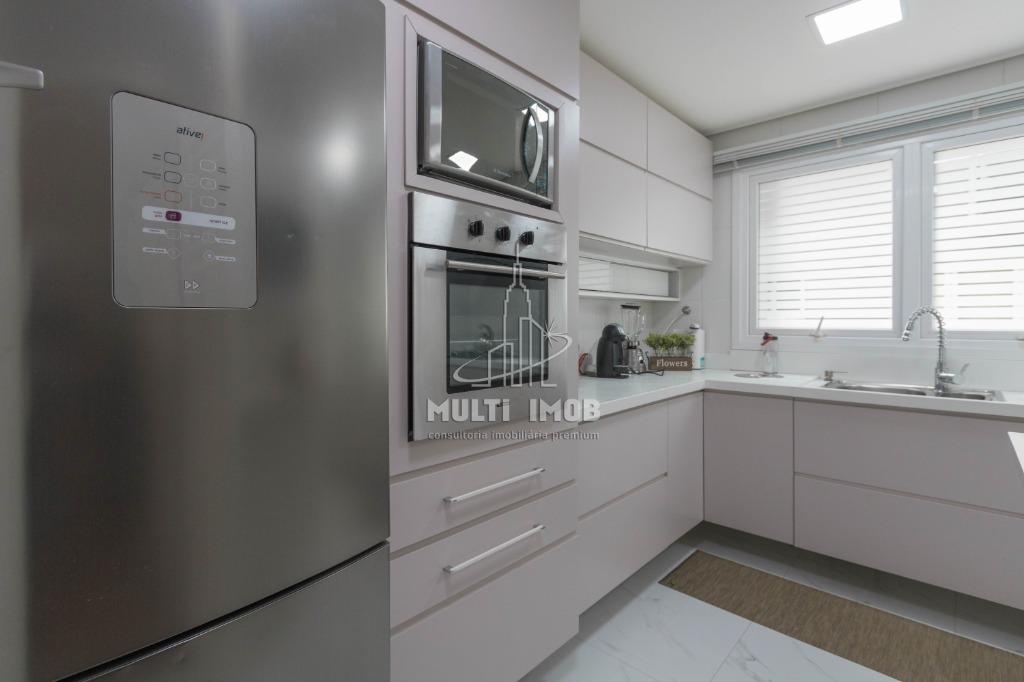 Apartamento  3 Dormitórios  2 Suítes  2 Vagas de Garagem Venda Bairro Menino Deus em Porto Alegre RS