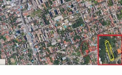 Excelente terreno com 15 x 61,20  com vista para o Guaíba e próximo à Av. Wenceslau Escobar. Possui estudo para construção de condomínio c/8 casas. DAÇÃO