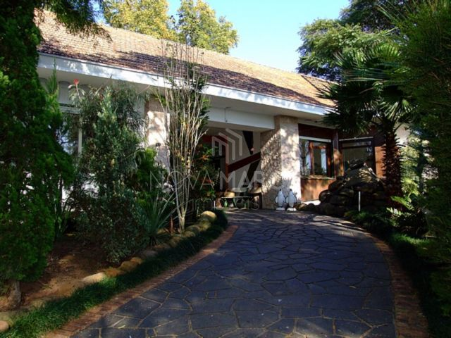Casa-Três Figueiras-Porto Alegre-5dorm-Nova Marca Imóveis