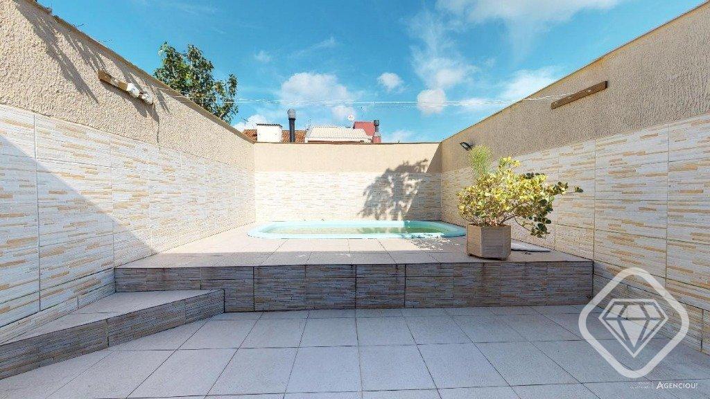 Casa para Venda 150 m²  com 2 quartos