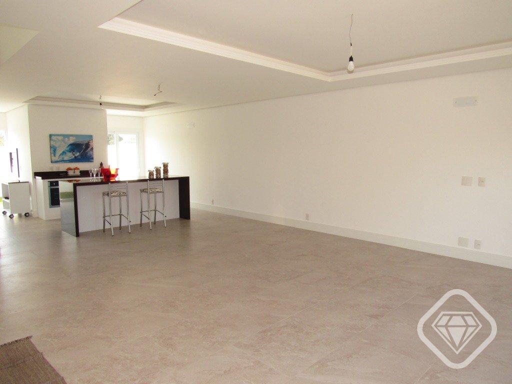 Casa em Condomínio com quartos para Alugar, 180 m²