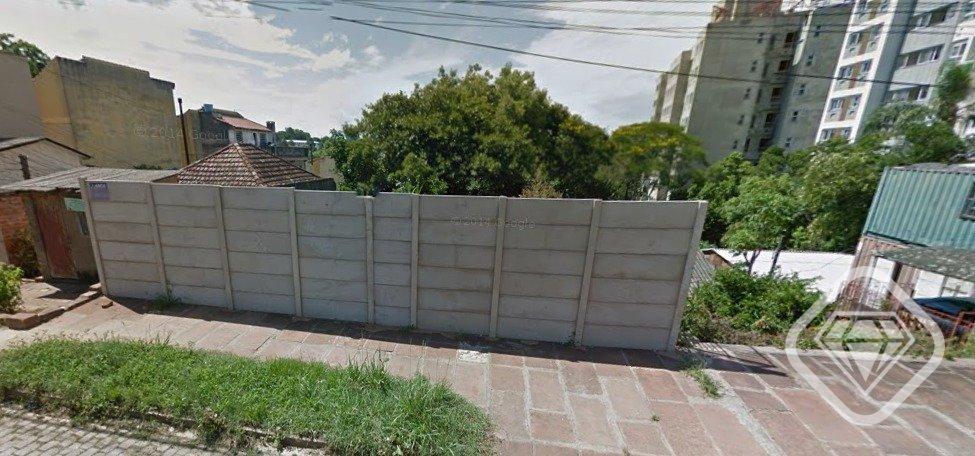 Terreno / 1.210 m / Próximo ao Nacional / Bairro Tristeza / R$ 890.000,00  Brilhante Imoveis RS vende terreno com 1.210m2, sendo 11 metros de frente e 110 metros de fundos, ótima localização no bairro Tristeza.  Informações WhatsApp 9346-1211