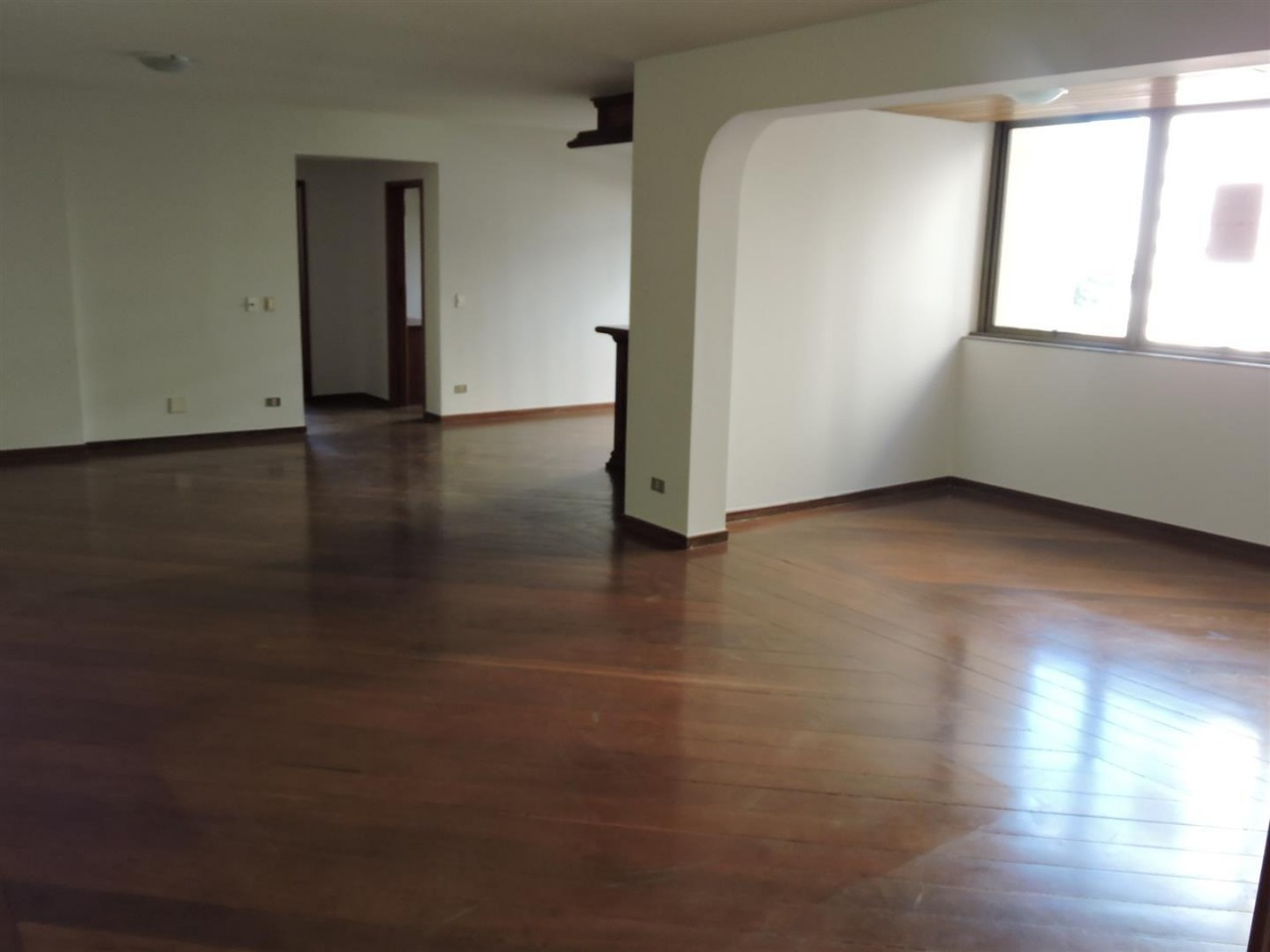 Apartamento 4 suítes no Setor Oeste