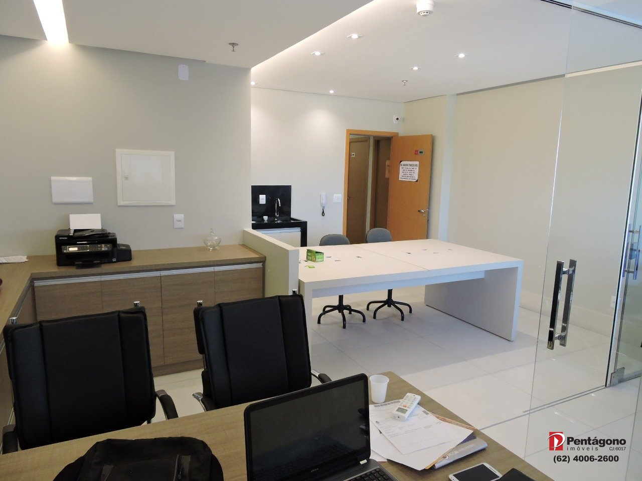 Sala mobiliada com 35m² B&B Business
