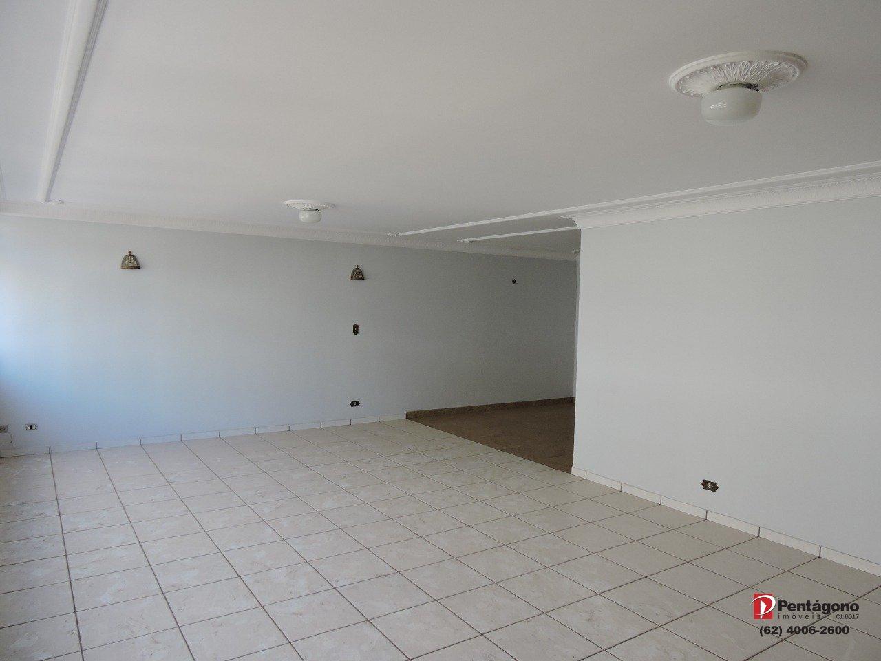 Apartamento com 4 quartos e 240 m²  Setor Central