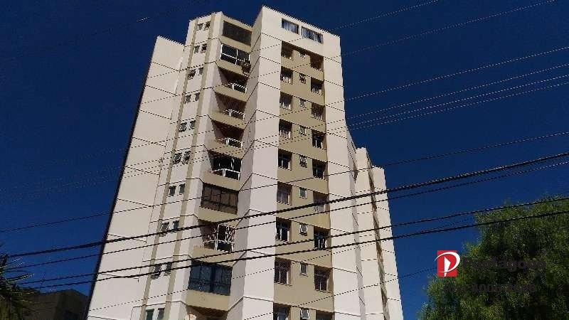 Apartamento com 03 quartos no Setor Bueno