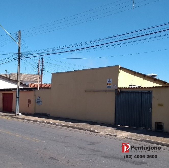 Terreno Vila Santa Helena com 5 barracões