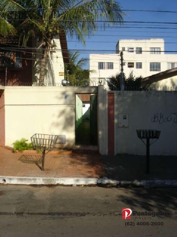 Casa com 02 Quartos no setor Jardim América