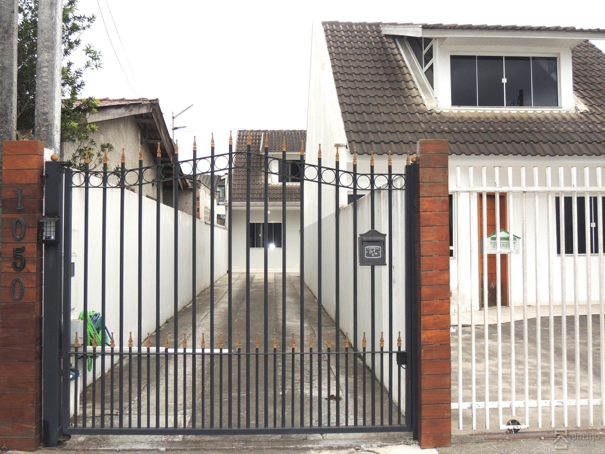 REF. 4819 -  São José Dos Pinhais - Rua  Marechal Hermes, 1050 - Casa 02