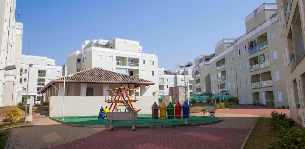 Cobertura 3 dormitórios no bairro Granja Viana em Cotia