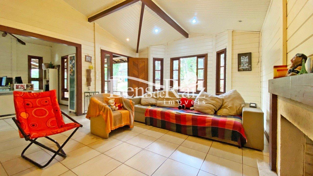 Casa em condomínio de 266m², à venda