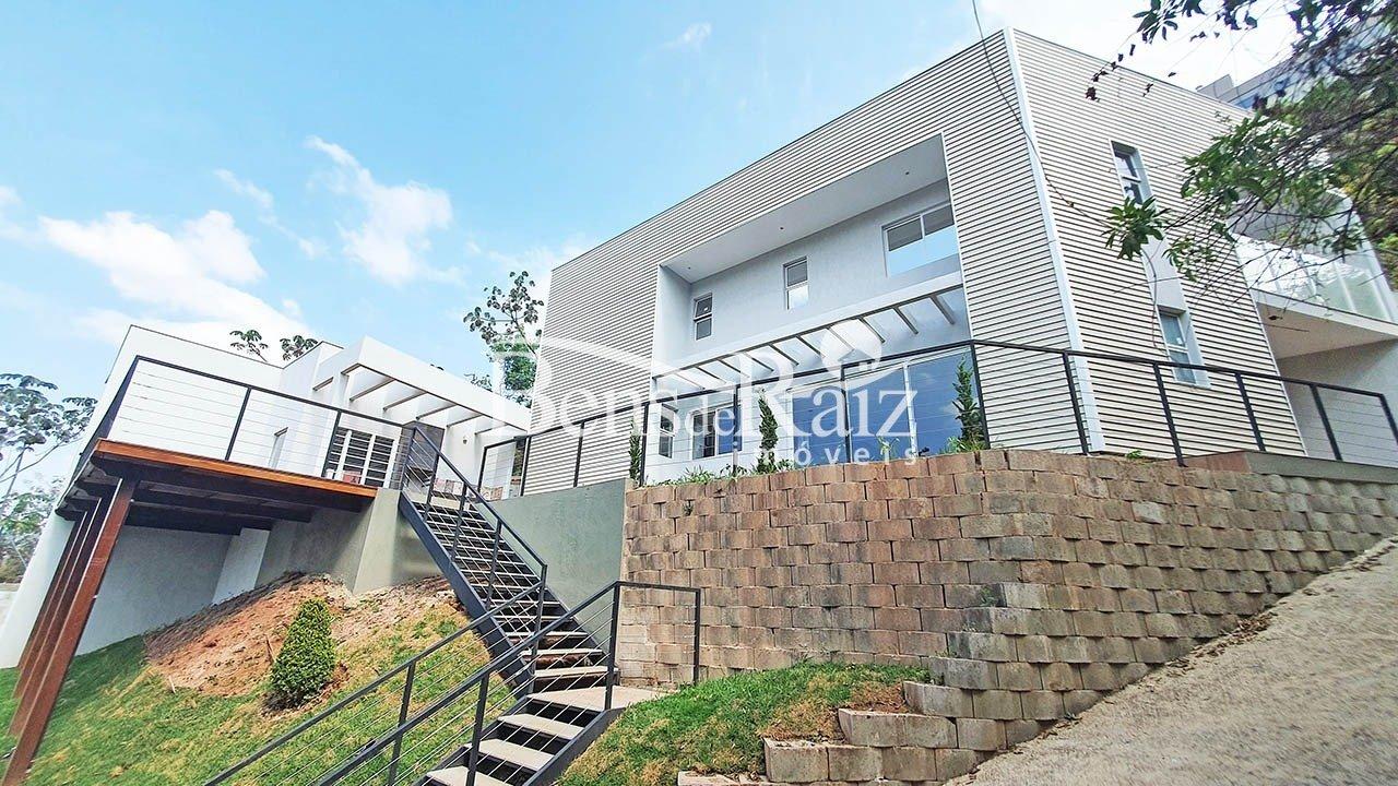 Casa em condomínio de 220m², à venda