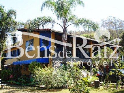 Casa em condomínio de 500m², à venda