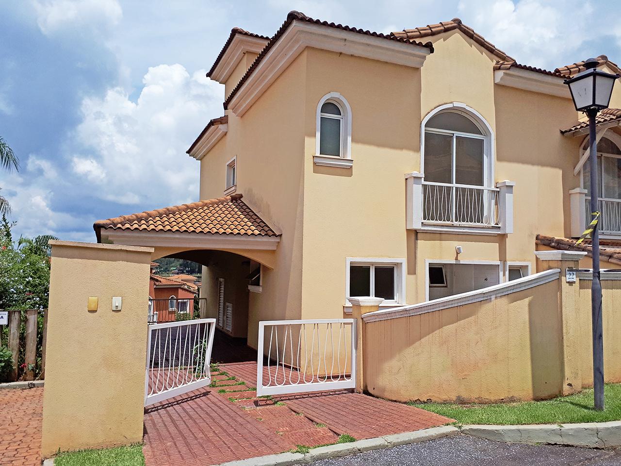 Casa em condomínio de 180m², à venda