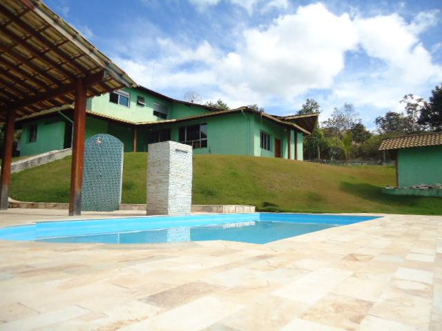Casa em condomínio de 343m², à venda
