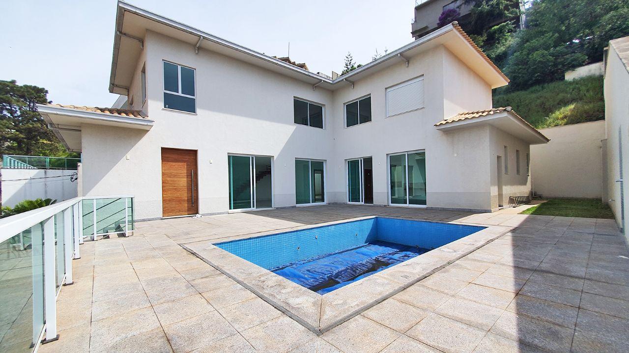 Casa em condomínio de 700m², à venda