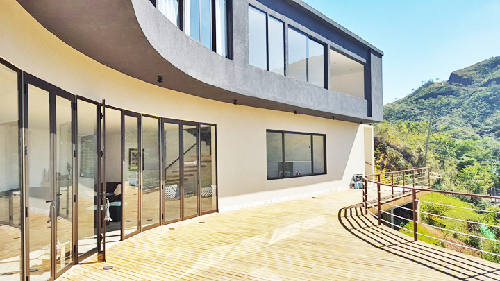 Casa em condomínio de 420m², à venda