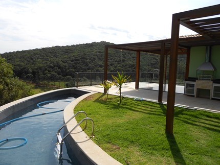 Casa em condomínio de 320m², à venda
