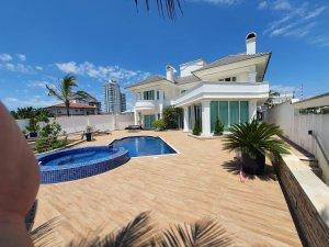 Venda Casa no Centro, Balneário Camboriú com 5 dorms, 680 m2 - Cod:5201172