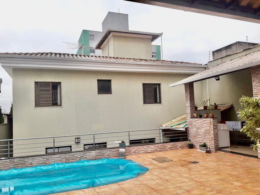Casa de 372,00m²,  para alugar